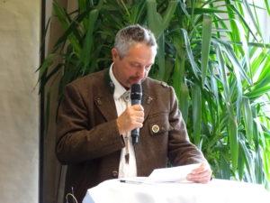 Obmann-Stellvertreter WM Franz Scheidle erörtert den Kassabericht